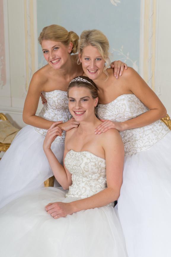 Eine Hochzeit mit drei Bräuten?